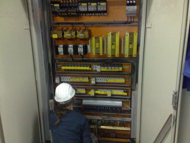 Eiektromontagewerke für Felde